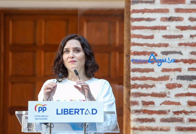 La presidenta de la Comunidad de Madrid y candidata a la reelección, Isabel Díaz Ayuso, interviene durante la presentación del balance de gestión de la legislatura, a 11 de abril de 2021, en Boadilla del Monte, Madrid (España).