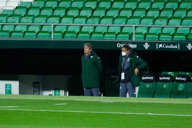Archivo - Manuel Pellegrini, coach of Real Betis, during LaLiga, football match played between Real Betis Balompie and Deportivo Alaves at Benito Villamarin Stadium on March 8, 2021 in Sevilla, Spain.