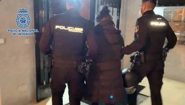 Archivo - Tres detenidos por el primer homicidio de este año, un apuñalamiento en el barrio de Lucero