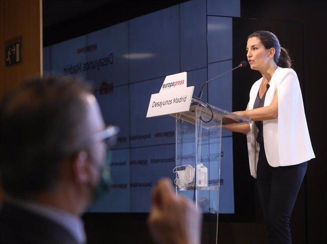 La candidata de Vox a la Presidencia de la Comunidad de Madrid, Rocío Monasterio, en un Desayuno Madrid de Europa Press.