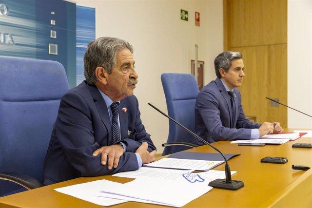 Archivo - El presidente de Cantabria, Miguel Ángel Revilla, y el vicepresidente, Pablo Zuloaga