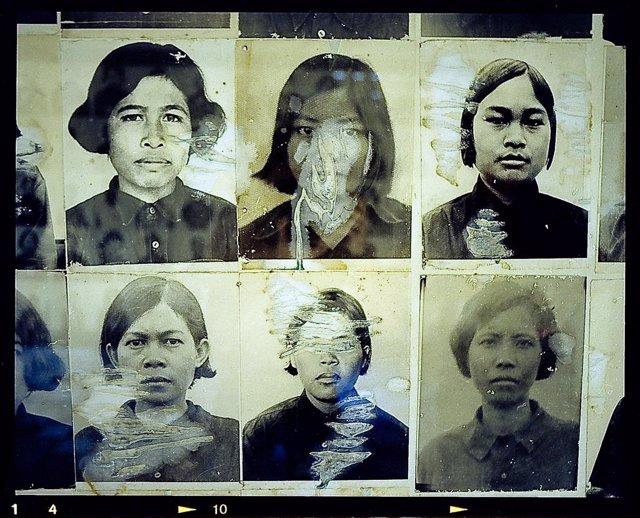 Archivo - Fotografías de algunas de las víctimas de los Jemeres Rojos de Camboya