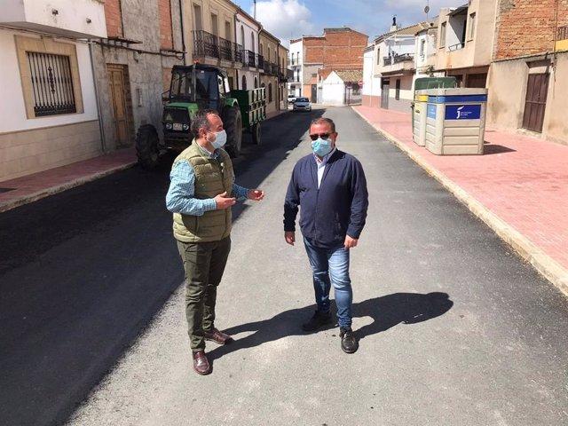 Visita a obras en calles de Sabiote.