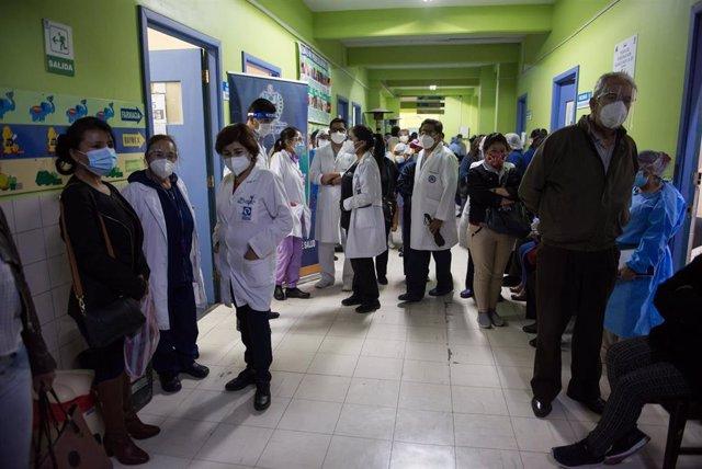 Archivo - Vacunación contra la COVID-19 en La Paz, Bolivia.