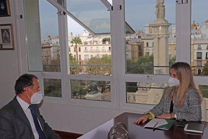 Mestre y el alcalde de Chiclana se reúnen para tratar actuaciones de la Junta en el municipio