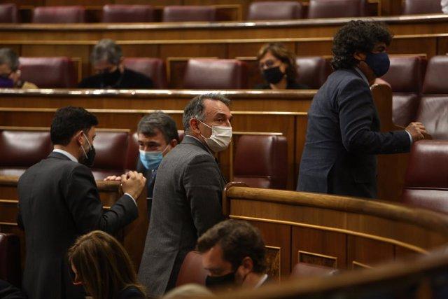 El portavoz de Justicia de Unidas Podemos y portavoz de IU en el Congreso, Enrique Santiago, durante una sesión plenaria en el Congreso