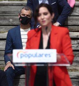 Toni Cantó y la presidenta de la Comunidad de Madrid, Isabel Díaz Ayuso.