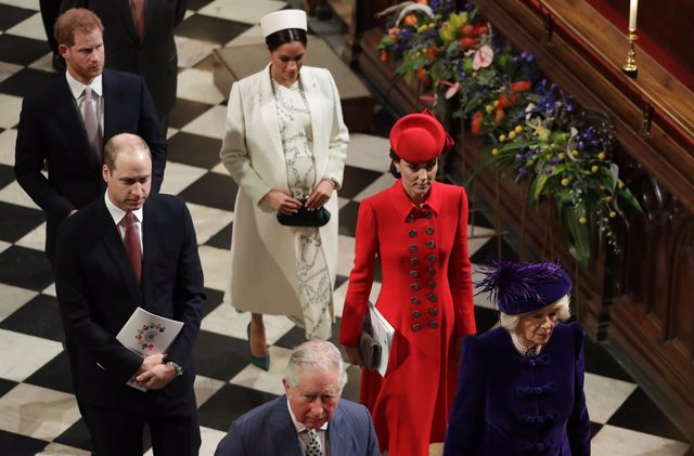 Archivo - 11 March 2019, England, London: Charles, Prince of Wales, Camilla Duchess of Cornwall, Prince William Duke of Cambridge, Kate Duchess of Cambridge, Prince Harry Duke of Sussex, and Meghan Duchess of Sussex, leave after attending the Commonwealth