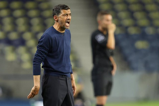 Archivo - 15 July 2020, Portugal, Porto: Porto manager Sergio Conceicao reacts on the sidelines during at the Portuguese Premier League soccer match between FC Porto and Sporting CP at the  Dragon Stadium. Photo: -/Atlantico Press via ZUMA Wire/dpa