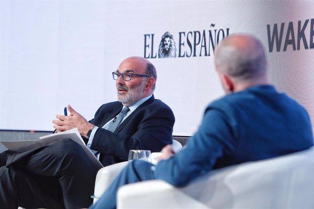 El presidente ejecutivo de Indra, Fernando Abril-Martorell, durante una ponencia en el evento 'Wake Up Spain' organizado por El Español y Llyc este lunes 12 de abril.