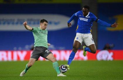 Fútbol/Premier.- El Everton vuelve a tropezar y se aleja de la Champions en la Premier