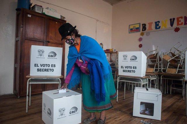 Segunda vuelta electoral presidencial en Ecuador