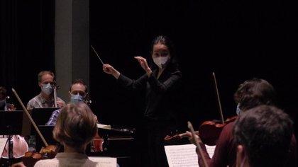 La directora Nodoka Okisawa y la pianista Alba Ventura ofrecen en Badajoz y Plasencia un recital de Mozart con la OEx