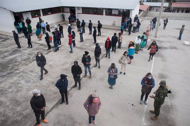 Colegio electoral en Quito
