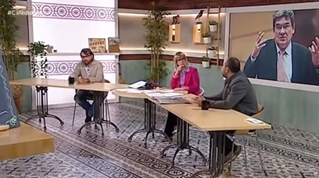 El secretari general de la UGT de Catalunya, Camil Ros, i el secretari general de CCOO de Catalunya, Javier Pacheco, aquest dimarts.