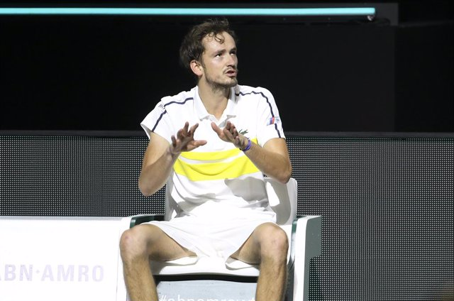 Archivo - Daniil Medvedev of Russia argues with the chair umpire during day 3 of the 48th ABN AMRO World Tennis Tournament, an ATP Tour 500 tournament on March 3, 2021 at the Rotterdam Ahoy in Rotterdam, Netherlands - Photo Jean Catuffe / DPPI