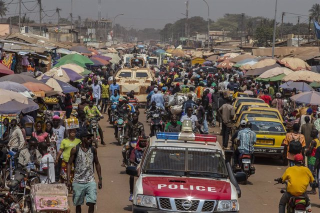 Archivo - Patrulla conjunta de la MINUSCA y las fuerzas de seguridad centroafricanas en el barrio PK5 en Bangui