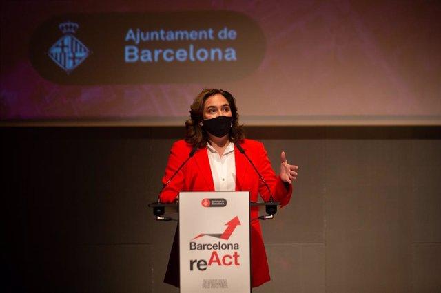 L'alcaldessa de Barcelona, Ada Colau, inaugura les jornades 'Barcelona reACT'.