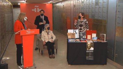 """Instituto Cervantes recibe un legado de Goytisolo, poeta del grupo catalán de los 50 y """"puente entre lenguas y culturas"""""""