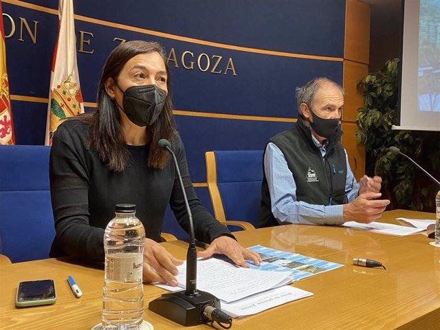 La diputada de Turismo de la DPZ, Cristina Palacín, y el presidente de la FAM, Javier Franco.