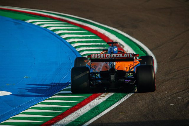 Archivo - 55 SAINZ Carlos (spa), McLaren Renault F1 MCL35, action during the Formula 1 Emirates Gran Premio Dell'emilia Romagna 2020, Emilia Romagna Grand Prix, from October 31 to November 1, 2020 on the Autodromo Internazionale Enzo e Dino Ferrari, in Im