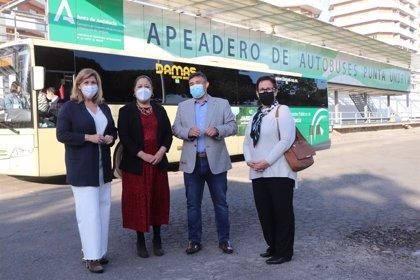 El delegado de Fomento visita las mejoras realizadas en el apeadero de autobuses de Punta Umbría