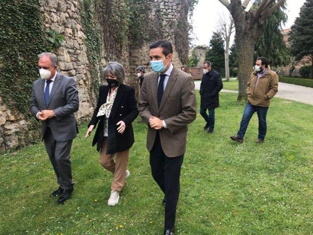 Visita a la muralla de Aguilar.