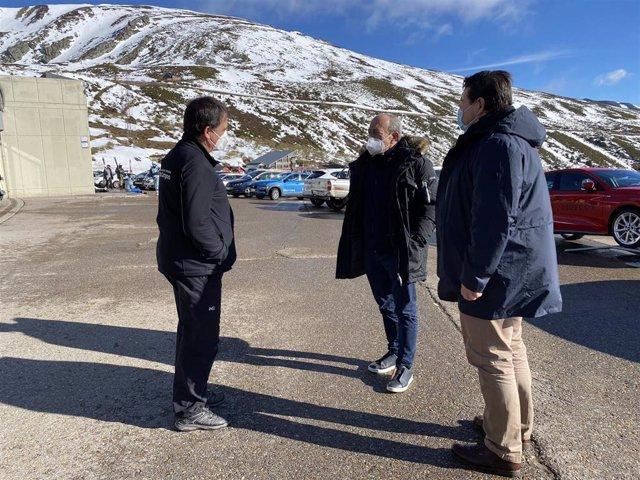 El consejero de Turismo, Javier López Marcano, en Alto Campoo