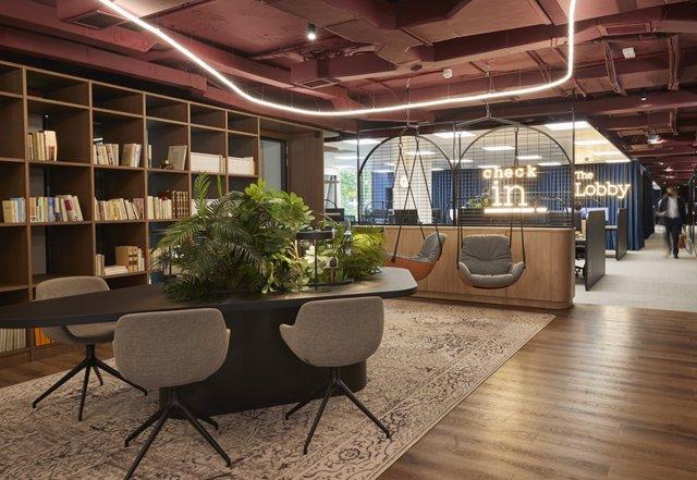 Radisson establece oficinas en Madrid.