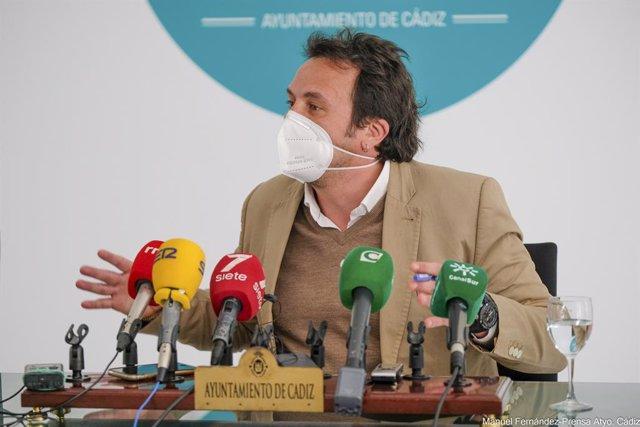 El alcalde de Cádiz en rueda de prensa
