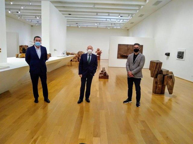 Miguel Zugaza, Gorka Martínez y Juan Pablo Huercános, en el Bellas Artes Bilbao