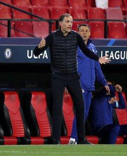 Thomas Tuchel protesta una acción durante el Chelsea-Oporto de la Liga de Campeones 2020-2021