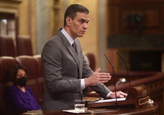 El president del Govern central, Pedro Sánchez, en la sessió plenària.