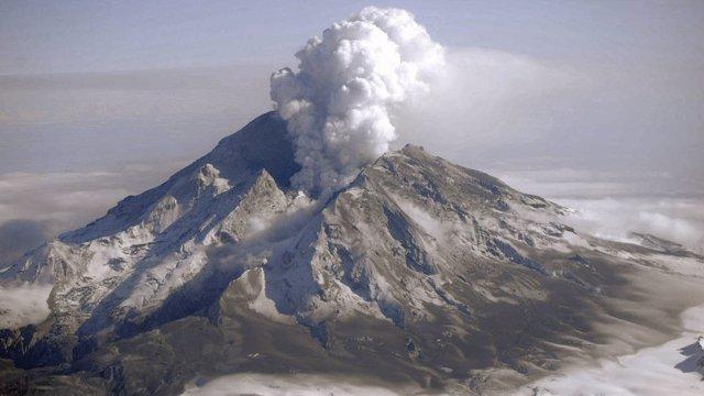 Erupción en el Monte Redoubt en Alaska en 2009