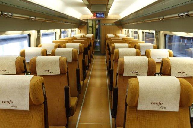 Archivo - Interior de un tren AVE