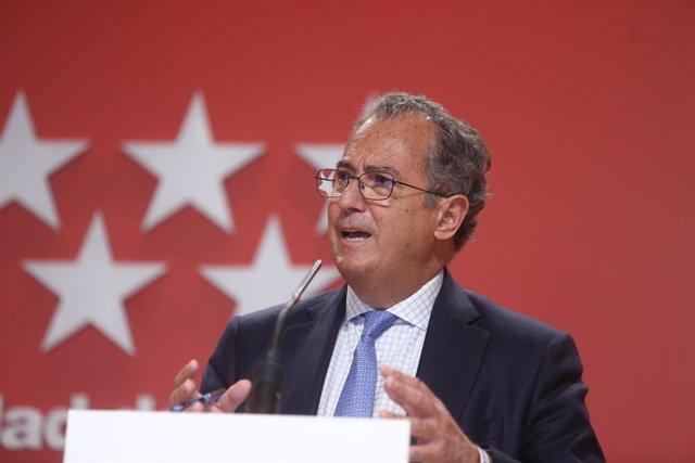 El consejero de Educación y Juventud y portavoz regional, Enrique Ossorio, durante una rueda de prensa tras la reunión del Consejo de Gobierno, a 7 de abril de 2021, en Madrid (España).