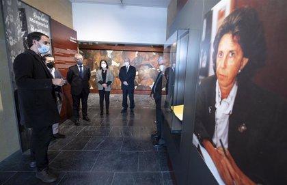 """El lehendakari visita el Centro Memorial de Vitoria con un recorrido """"con la mirada de las víctimas presente"""""""