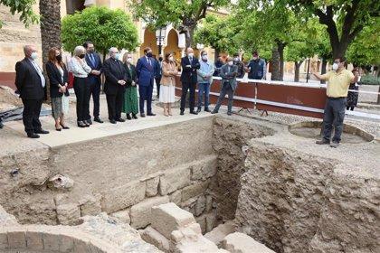 Del Pozo visita las excavaciones arqueológicas de la Mezquita-Catedral de Córdoba
