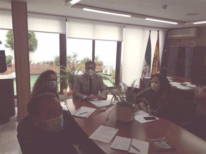 Junta y Ayuntamiento analizan la estrategia Eracis de intervención en zonas desfavorecidas