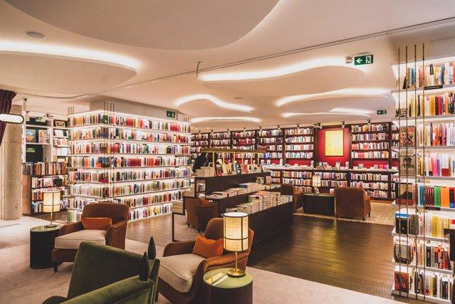 Arxiu - Imatge de la nova llibreria Finestres.