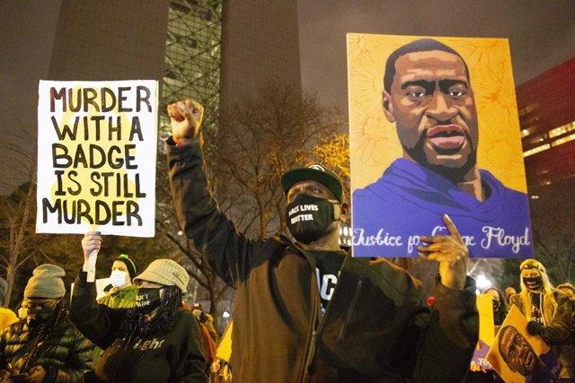 Imagen de archivo de las protestas en Mineápolis por la muerte de otro afroamericano.