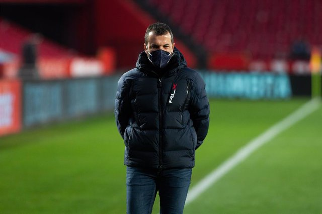 Archivo - Diego Martinez, head coach of Granada, during the spanish league, LaLiga, football match played between Granada Club de Futbol and Club Atletico Osasuna at Nuevos Los Carmenes Stadium on January 12, 2021 in Granada, Spain.