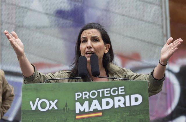 La candidata de Vox a la Presidencia de la Comunidad de Madrid, Rocío Monasterio, durante un acto en el distrito de Carabanchel.