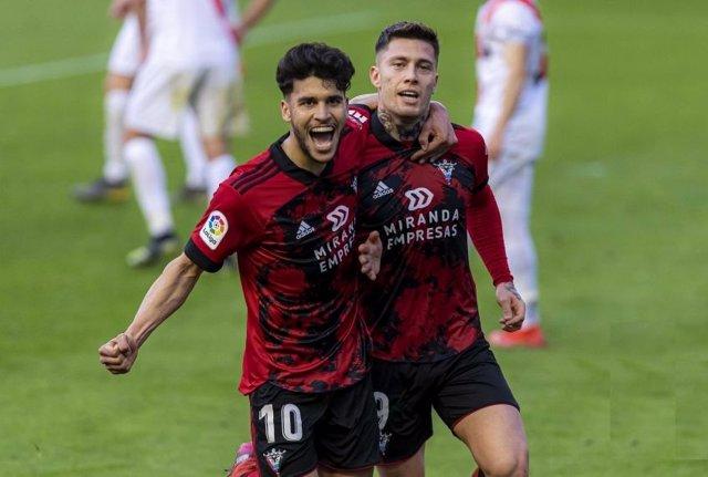 El Mirandés celebra el gol del triunfo ante el Rayo Vallecano