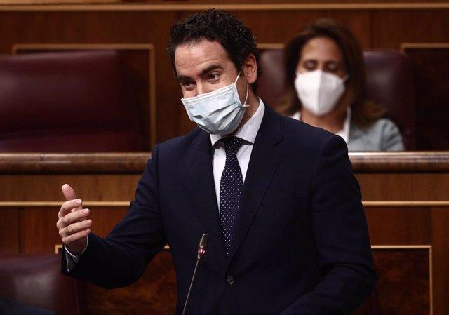 El secretario general del PP, Teodoro García Egea, interviene en una sesión de control al Gobierno, a 14 de abril de 2021, en el Congreso de los Diputados, Madrid, (España).