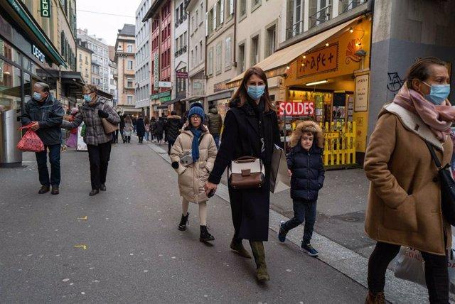 El Gobierno suizo baraja relajar las medidas contra el coronavirus a pesar de que las cifras siguen creciendo.