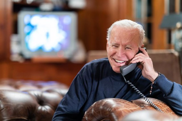 Archivo - El presidente de EEUU, Joe Biden, durante una conversación telefónica.