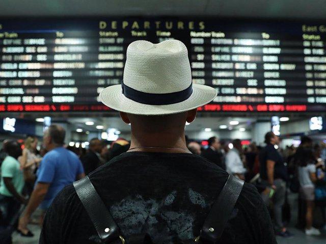 Archivo - Viajar sin restricciones es una de las cosas que más echamos de menos
