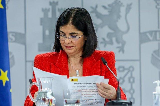 La ministra de Sanidad, Carolina Darias, durante una rueda de prensa tras la reunión del Consejo Interterritorial del Sistema Nacional de Salud, a 14 de abril de 2021, en Madrid (España). El Ministerio de Sanidad comunicó ayer a las comunidades autónomas