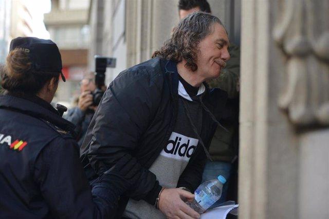 Archivo - Sito Miñanco entra al Juzgado de Instrucción nº2 de Cambados para reanudar su juicio por blanqueo de capitales.